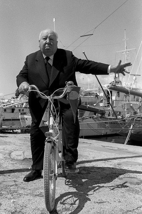 O mestre do cinema, de bike é claro.
